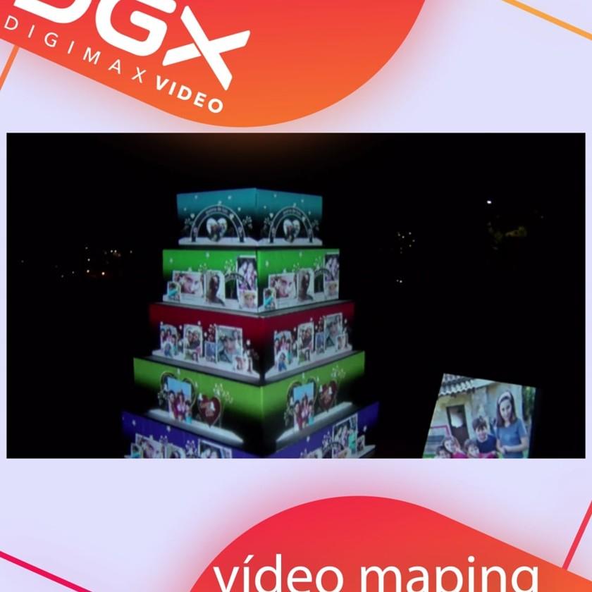 Proyección de vídeo-maping sobre objetos reales en 3D. Vídeo en formato vertical