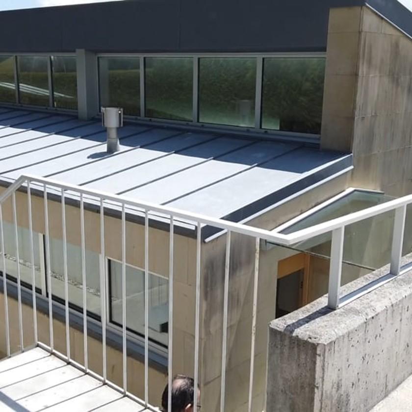 Vídeo para la inmobiliaria Activa Norte. Enplemos técnicas como drones e steadycam